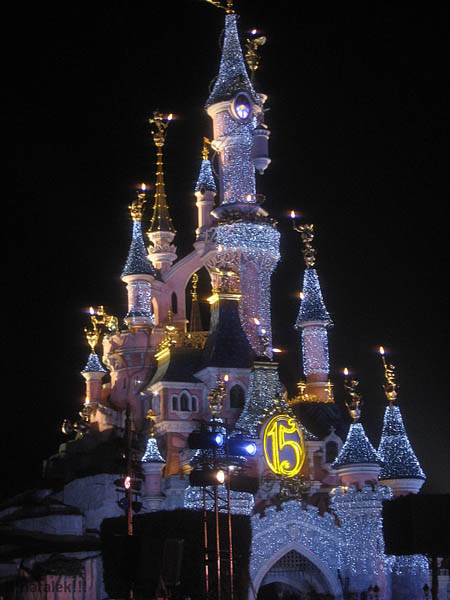 disneyland_paris_nacht1