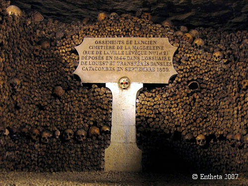 Catacombes_de_Paris2
