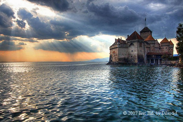 Chateau_de_Chillon_abends